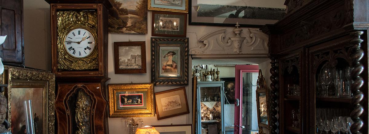 Antiquitäten und alte Gegenstände in einem Raum im Raum Bad Berleburg, Schmallenberg oder Winterberg