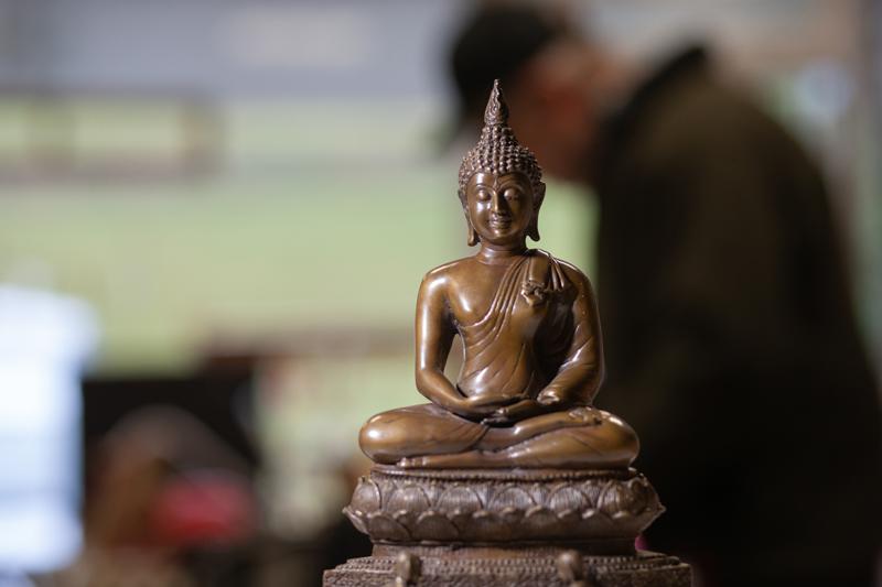 Antiquitäten Ladenlokal Trödelladen Buddha