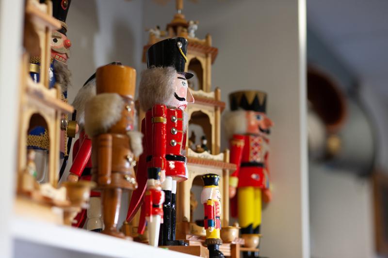 Antiquitäten Ladenlokal Trödelladen Männer